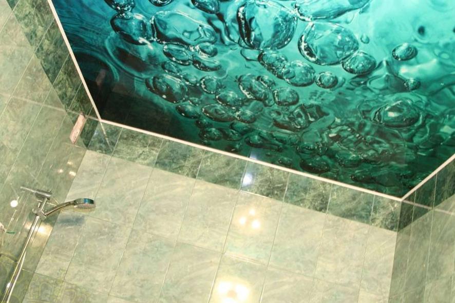 Натяжной потолок в ванной комнате (65 фото): идеи дизайна   591x886